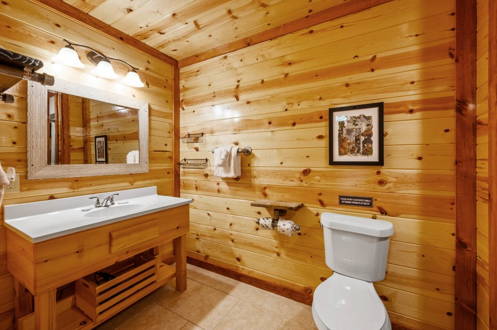 Photo of a Sevierville Cabin named Lazy Bear Lodge - This is the seventeenth photo in the set.