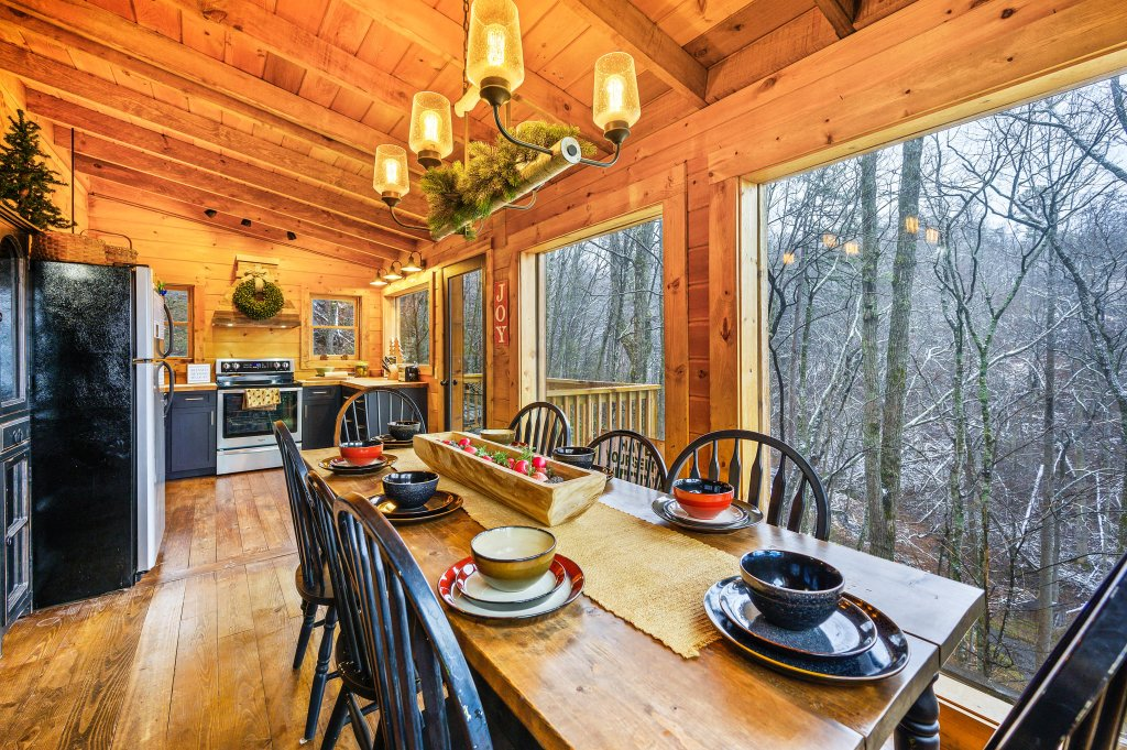 Photo of a Gatlinburg Cabin named Blessed Beyond Measure - This is the twentieth photo in the set.