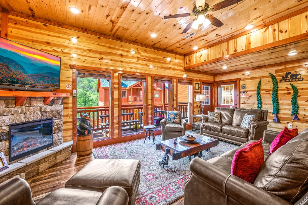 Photo of a Sevierville Cabin named Lazy Bear Lodge - This is the twenty-sixth photo in the set.