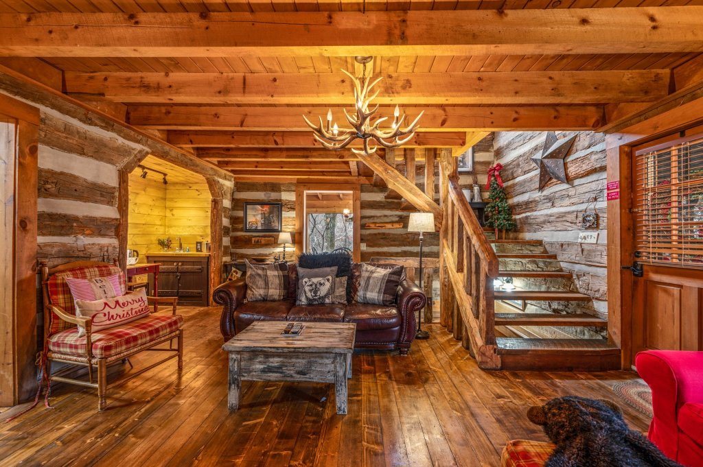 Photo of a Gatlinburg Cabin named Blessed Beyond Measure - This is the fifty-second photo in the set.
