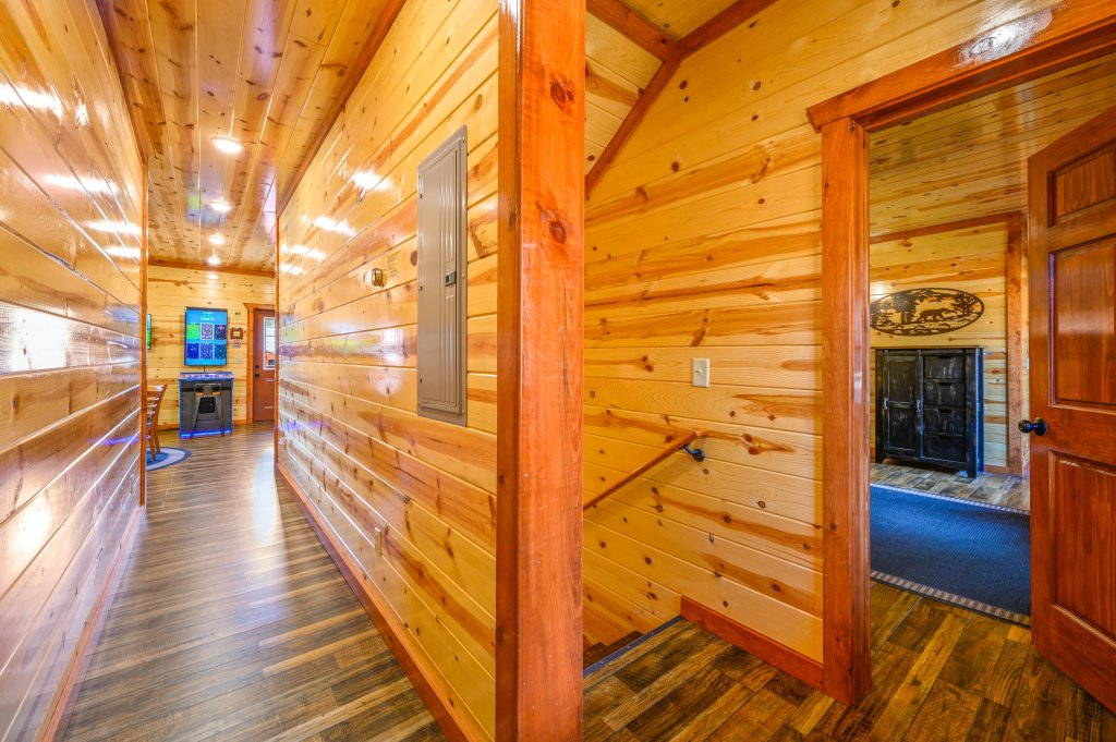 Photo of a Sevierville Cabin named Lazy Bear Lodge - This is the eighty-ninth photo in the set.