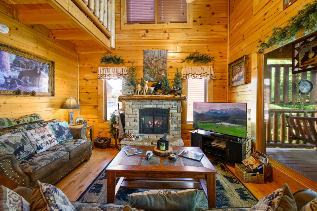 Photo of a Sevierville Cabin named Bearslide Inn - This is the twenty-third photo in the set.