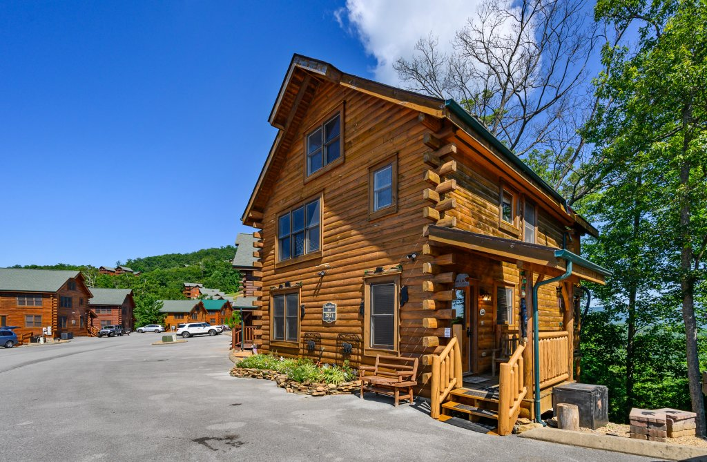 Photo of a Sevierville Cabin named Bearslide Inn - This is the sixteenth photo in the set.