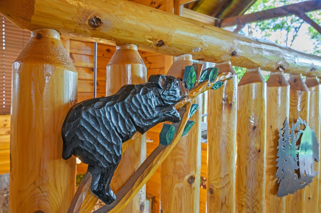 Photo of a Sevierville Cabin named Bearslide Inn - This is the sixty-first photo in the set.