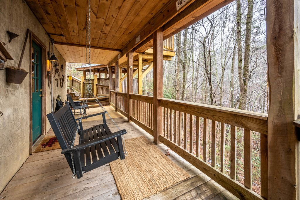 Photo of a Gatlinburg Cabin named Blessed Beyond Measure - This is the fifty-ninth photo in the set.