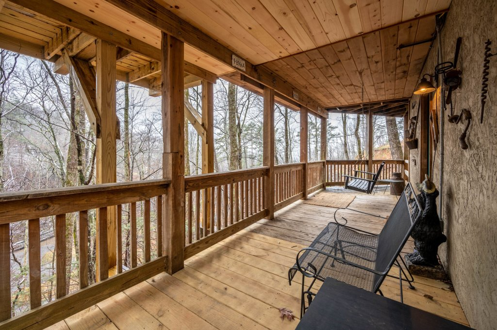 Photo of a Gatlinburg Cabin named Blessed Beyond Measure - This is the fifty-eighth photo in the set.