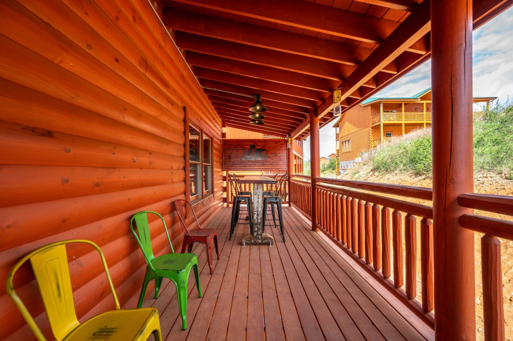 Photo of a Sevierville Cabin named Lazy Bear Lodge - This is the sixty-second photo in the set.