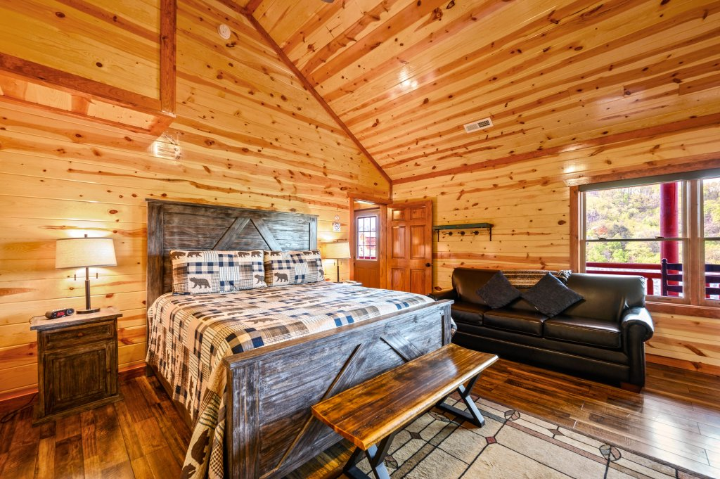 Photo of a Sevierville Cabin named Lazy Bear Lodge - This is the sixtieth photo in the set.