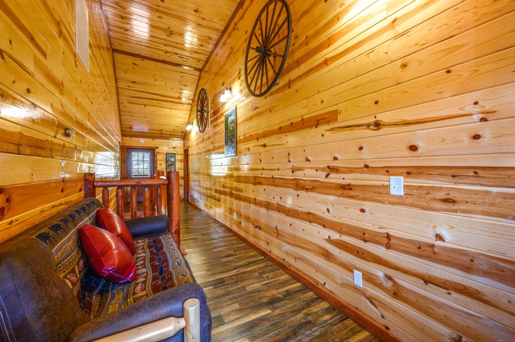 Photo of a Sevierville Cabin named Lazy Bear Lodge - This is the one hundred and seventh photo in the set.