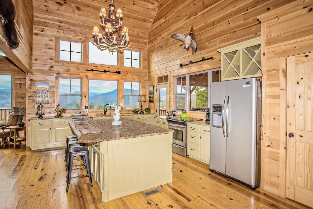 Photo of a Sevierville Cabin named Hackberry Lodge - This is the sixth photo in the set.