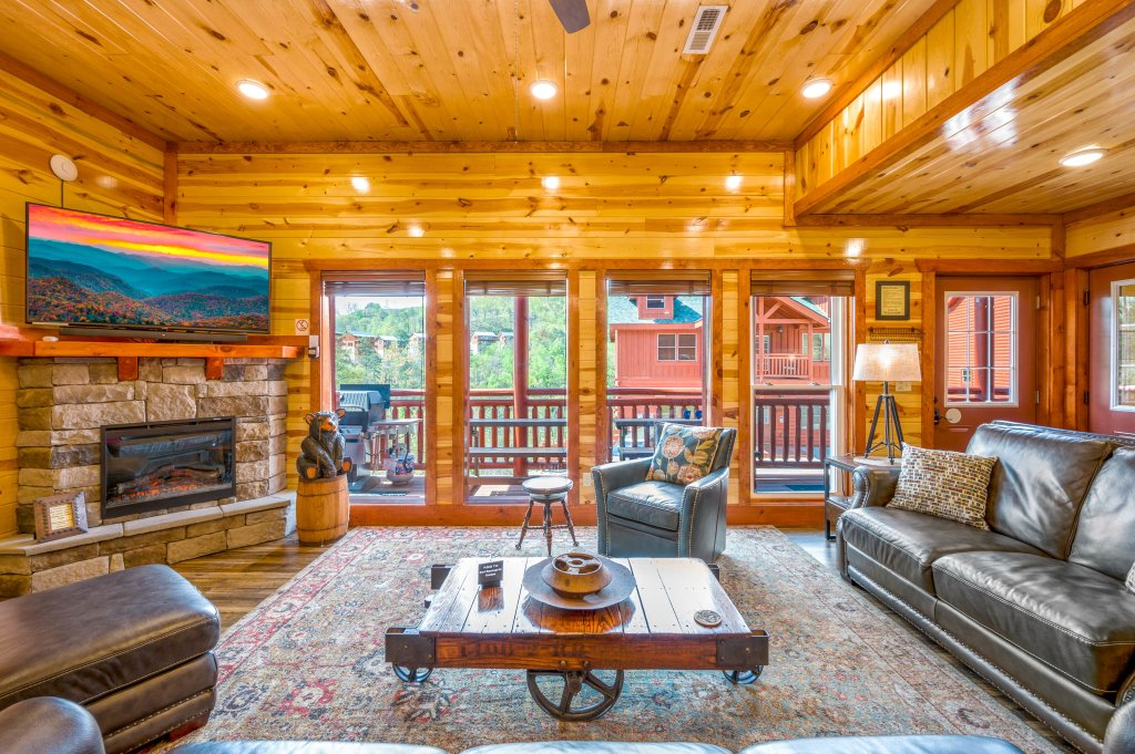 Photo of a Sevierville Cabin named Lazy Bear Lodge - This is the eightieth photo in the set.
