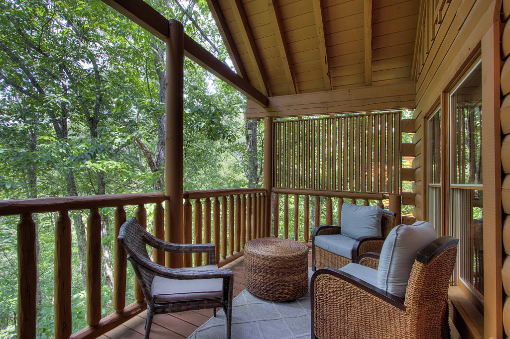 Photo of a Sevierville Cabin named Smoky Pool Paradise #1854 - This is the twenty-sixth photo in the set.