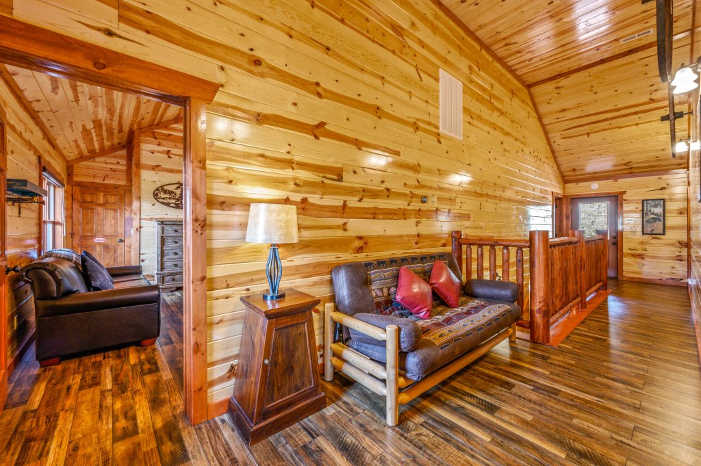 Photo of a Sevierville Cabin named Lazy Bear Lodge - This is the one hundred and eighth photo in the set.