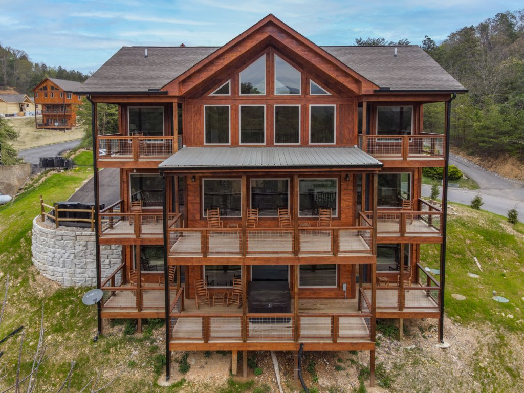 Photo of a Pigeon Forge Cabin named Bear Foot Retreat - This is the fifty-fourth photo in the set.