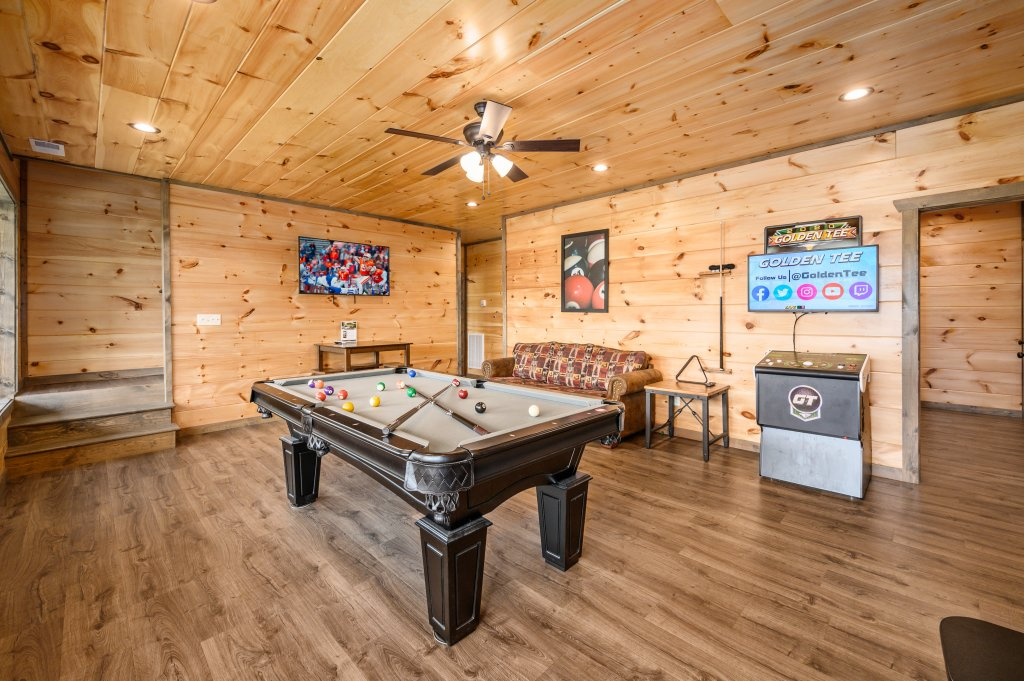 Photo of a Pigeon Forge Cabin named Bear Foot Retreat - This is the eighty-second photo in the set.
