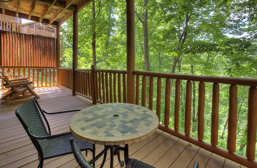 Photo of a Sevierville Cabin named Smoky Pool Paradise #1854 - This is the fiftieth photo in the set.