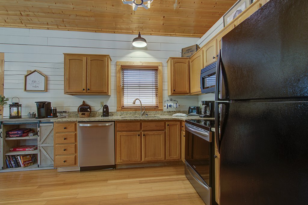 Photo of a Sevierville Cabin named Smoky Pool Paradise #1854 - This is the twenty-seventh photo in the set.