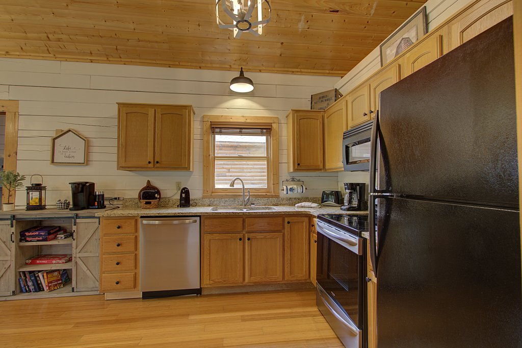 Photo of a Sevierville Cabin named Smoky Pool Paradise #1854 - This is the twenty-third photo in the set.