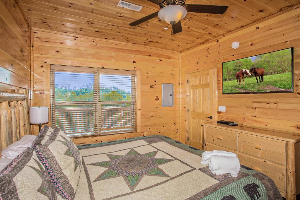 Photo of a Gatlinburg Cabin named Damron's Dream - This is the fifteenth photo in the set.