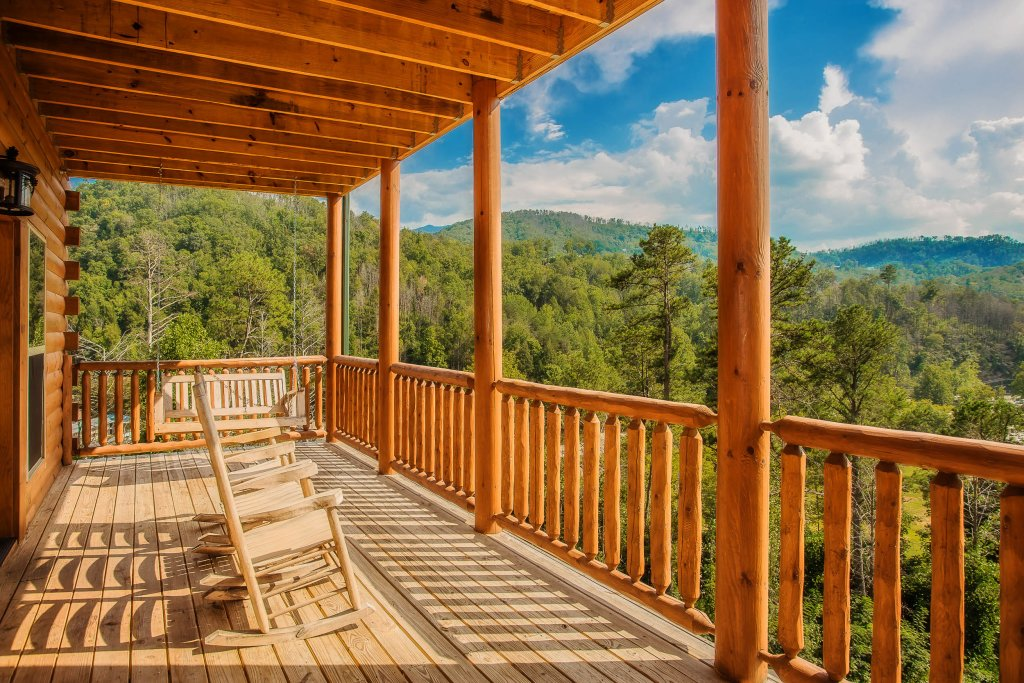 Photo of a Gatlinburg Cabin named Damron's Dream - This is the twenty-first photo in the set.