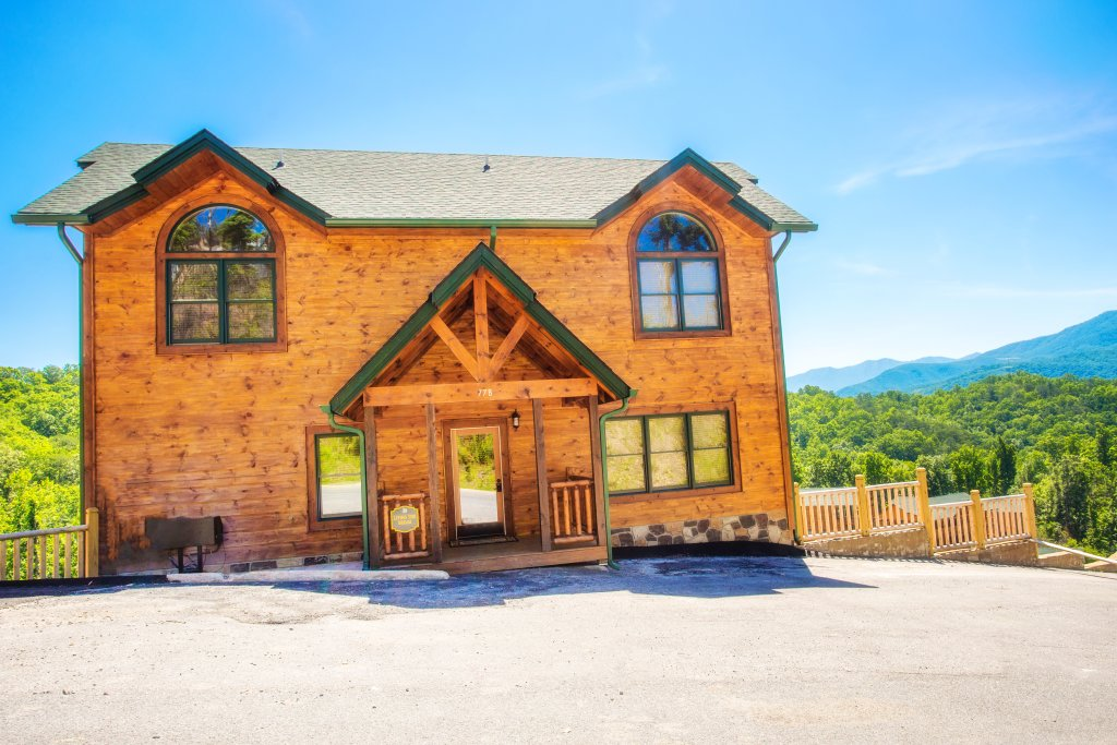 Photo of a Gatlinburg Cabin named Living The Dream - This is the thirtieth photo in the set.