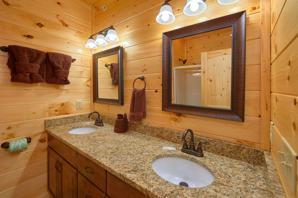 Photo of a Gatlinburg Cabin named Living The Dream - This is the fifty-fifth photo in the set.