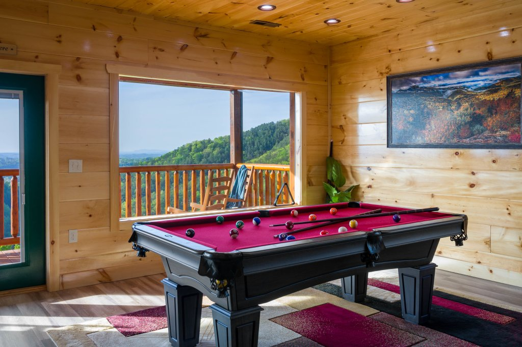 Photo of a Sevierville Cabin named Firefly Escape - This is the thirty-first photo in the set.