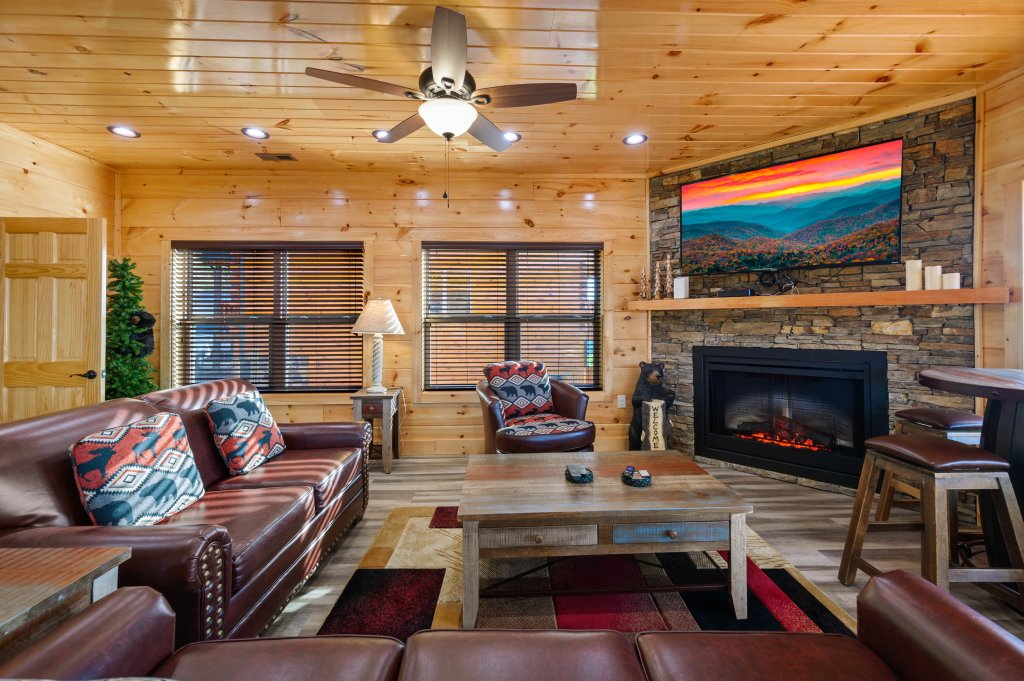 Photo of a Sevierville Cabin named Firefly Escape - This is the eighth photo in the set.
