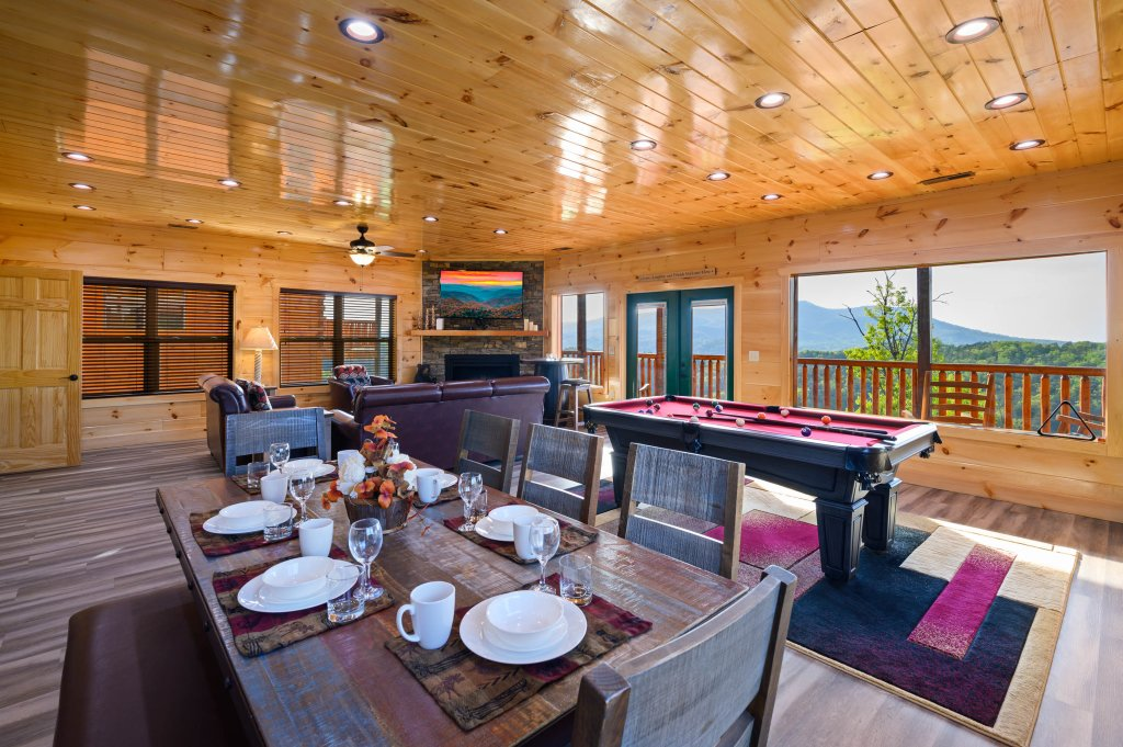 Photo of a Sevierville Cabin named Firefly Escape - This is the sixth photo in the set.