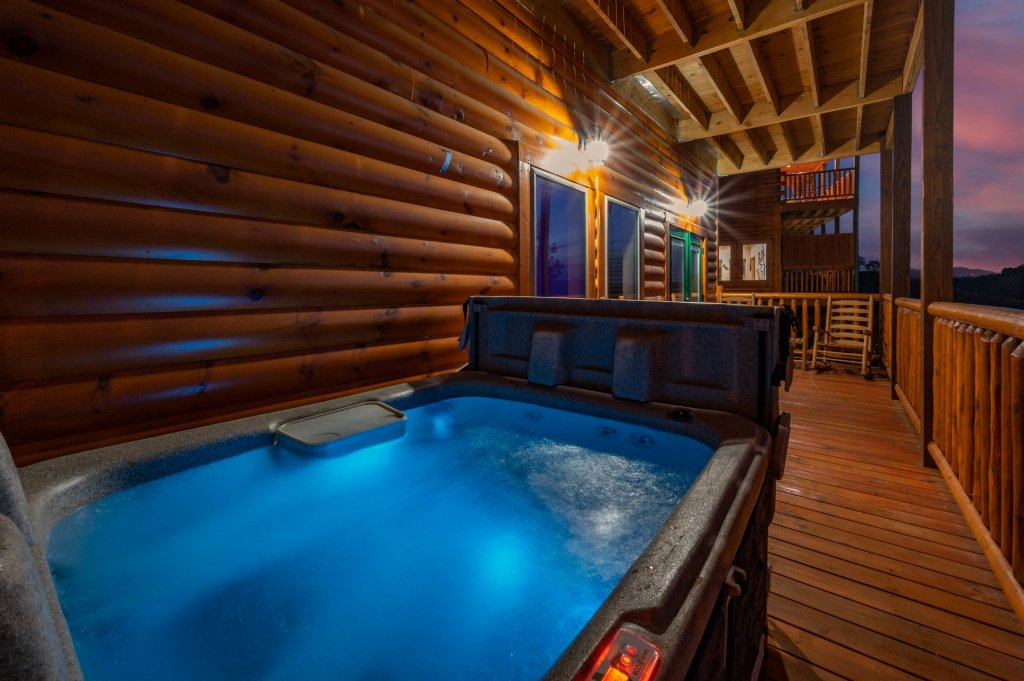 Photo of a Sevierville Cabin named Firefly Escape - This is the twenty-second photo in the set.
