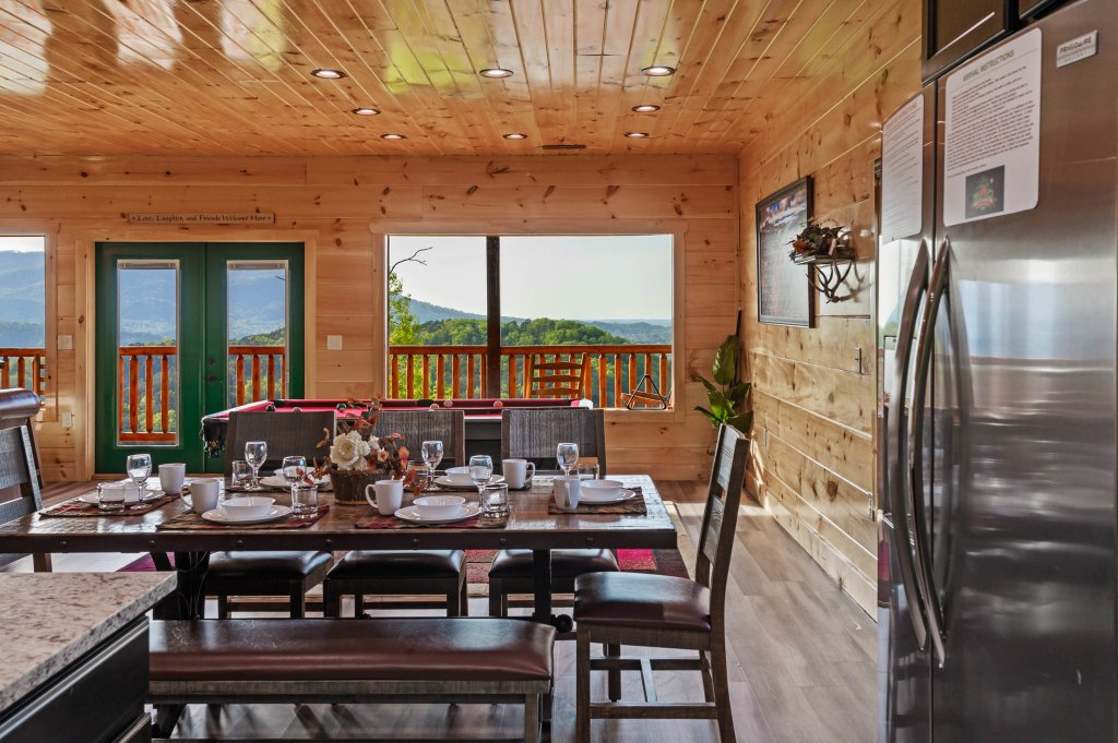 Photo of a Sevierville Cabin named Firefly Escape - This is the twenty-eighth photo in the set.