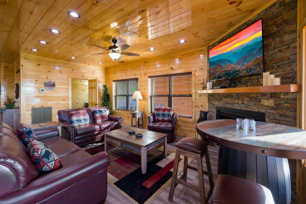 Photo of a Sevierville Cabin named Firefly Escape - This is the twenty-ninth photo in the set.
