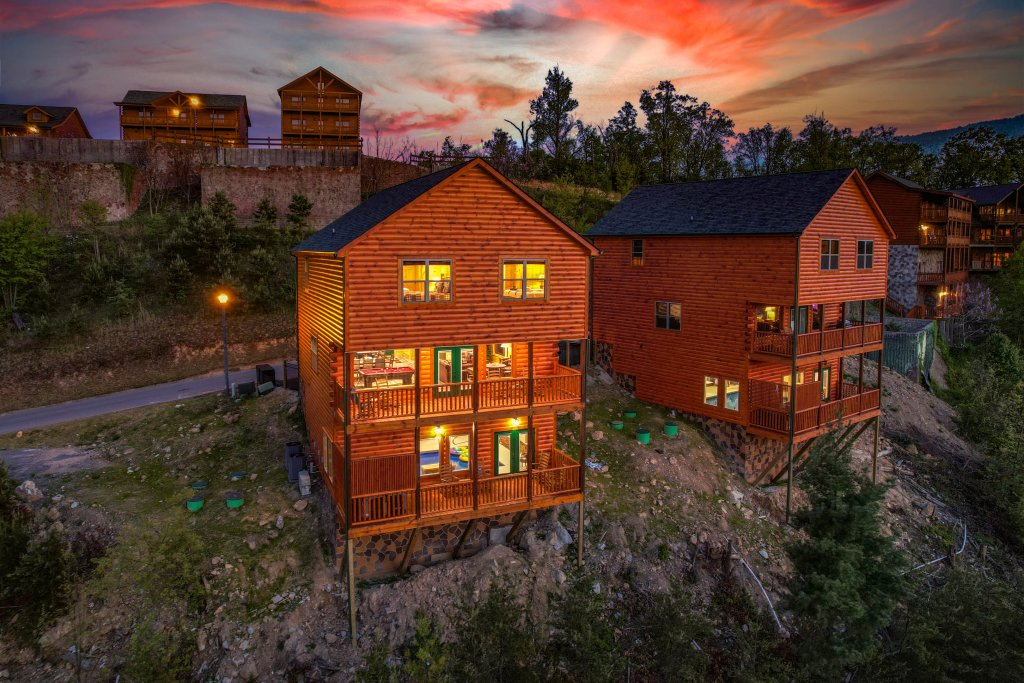 Photo of a Sevierville Cabin named Firefly Escape - This is the one hundred and seventh photo in the set.
