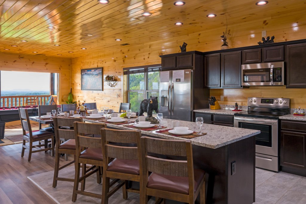 Photo of a Sevierville Cabin named Firefly Escape - This is the sixty-second photo in the set.