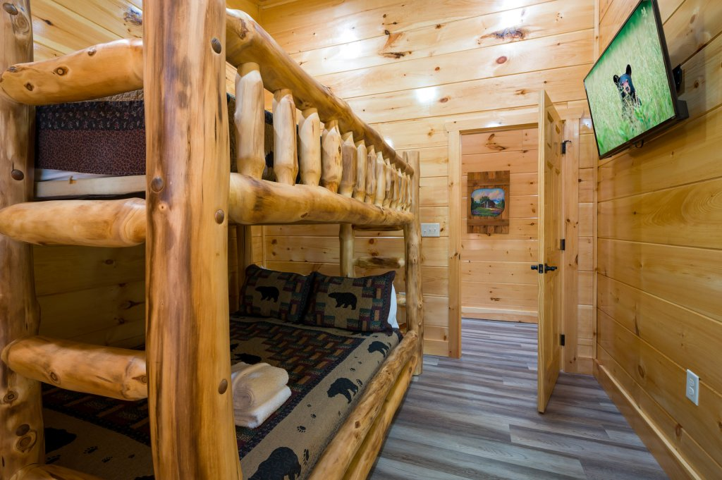 Photo of a Sevierville Cabin named Firefly Escape - This is the fifty-sixth photo in the set.