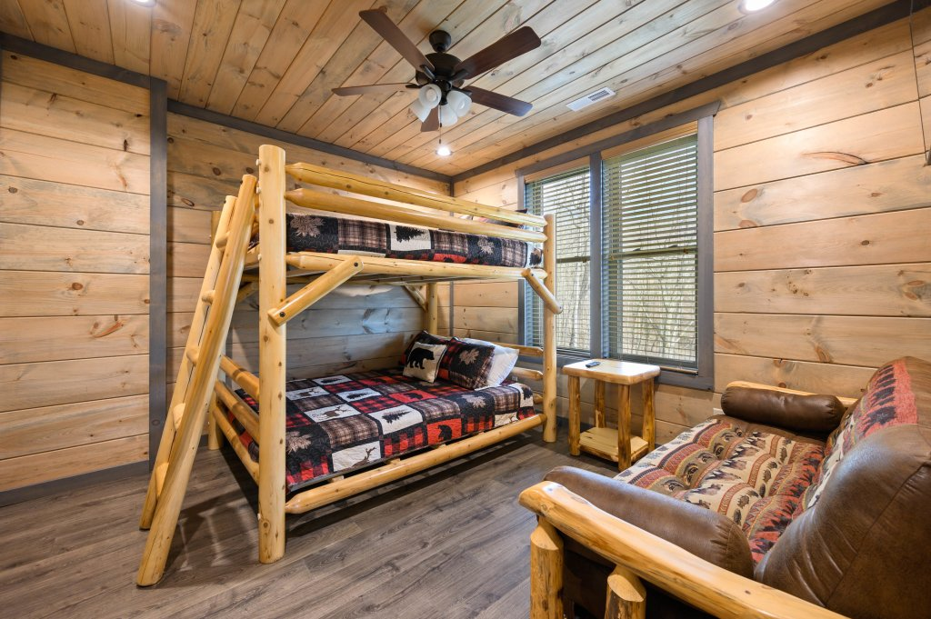 Photo of a Gatlinburg Cabin named Pine Top Paradise - This is the twenty-first photo in the set.