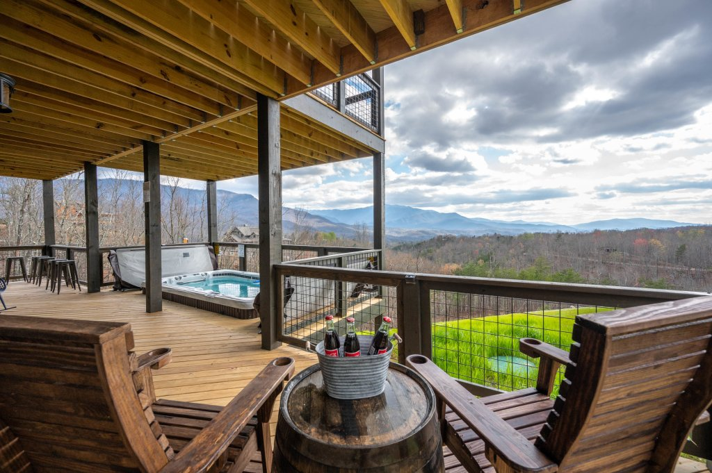 Photo of a Gatlinburg Cabin named Pine Top Paradise - This is the twenty-fifth photo in the set.
