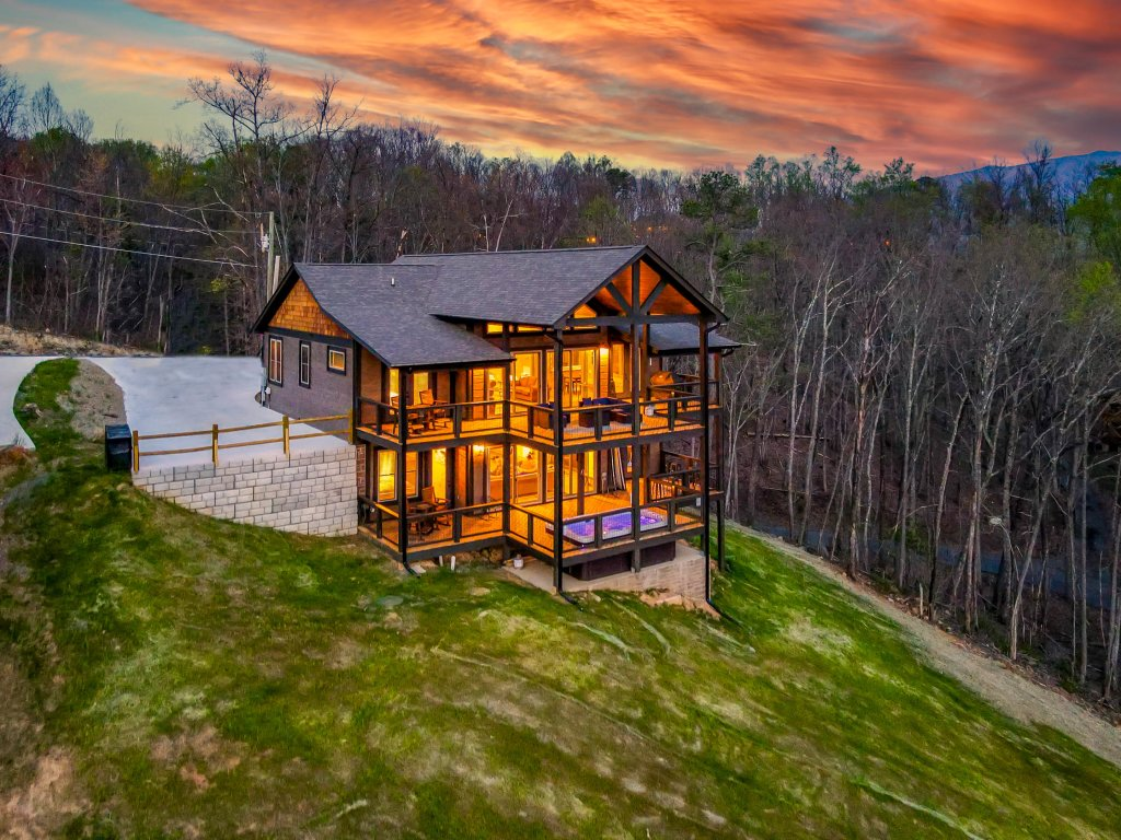 Photo of a Gatlinburg Cabin named Pine Top Paradise - This is the ninety-third photo in the set.