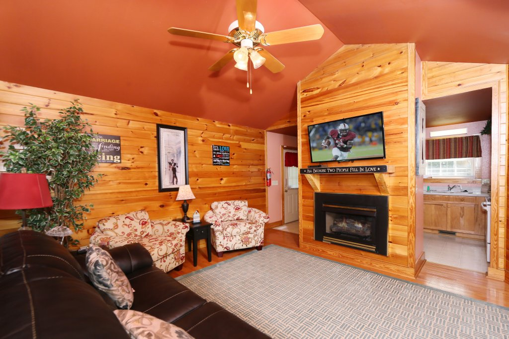 Photo of a Pigeon Forge Cabin named Pine Needles (#6) - This is the fourth photo in the set.