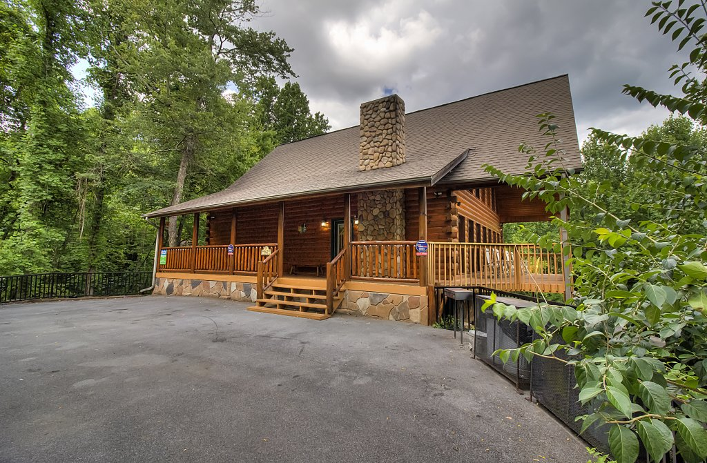 Photo of a Gatlinburg Cabin named Hillbilly Hilton #525 - This is the fifty-fifth photo in the set.