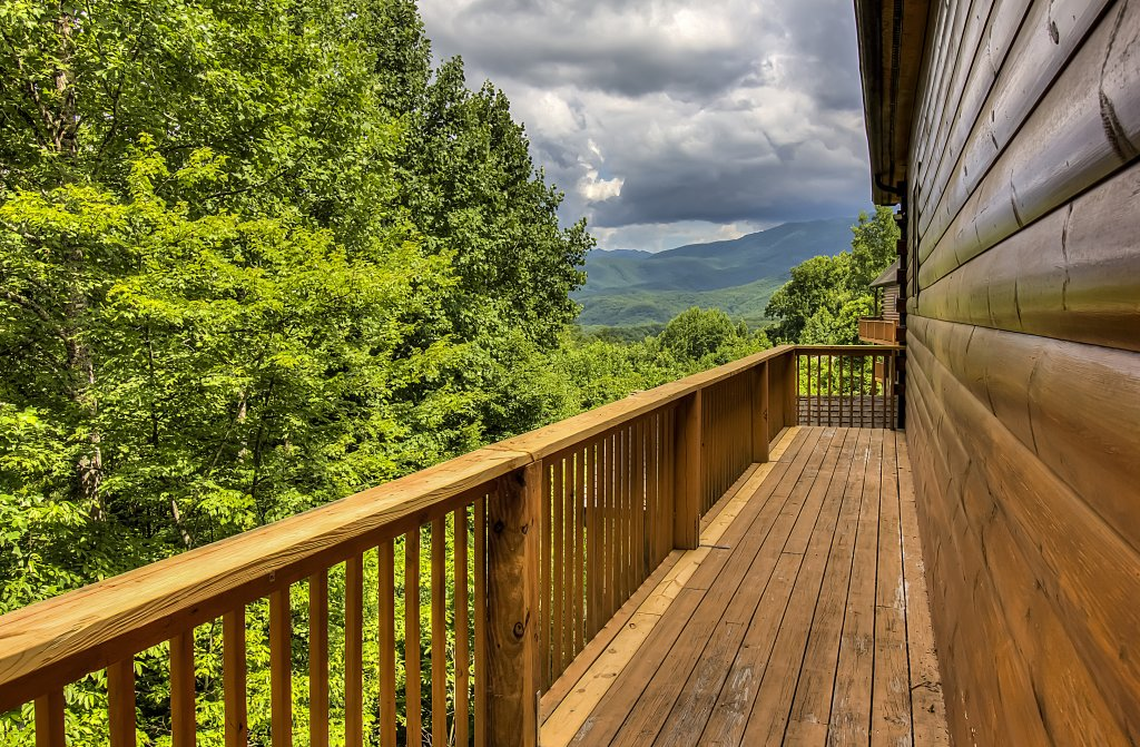 Photo of a Gatlinburg Cabin named Hillbilly Hilton #525 - This is the sixty-fifth photo in the set.