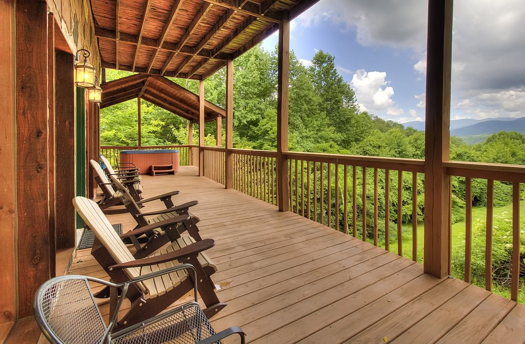 Photo of a Gatlinburg Cabin named Hillbilly Hilton #525 - This is the fifty-eighth photo in the set.