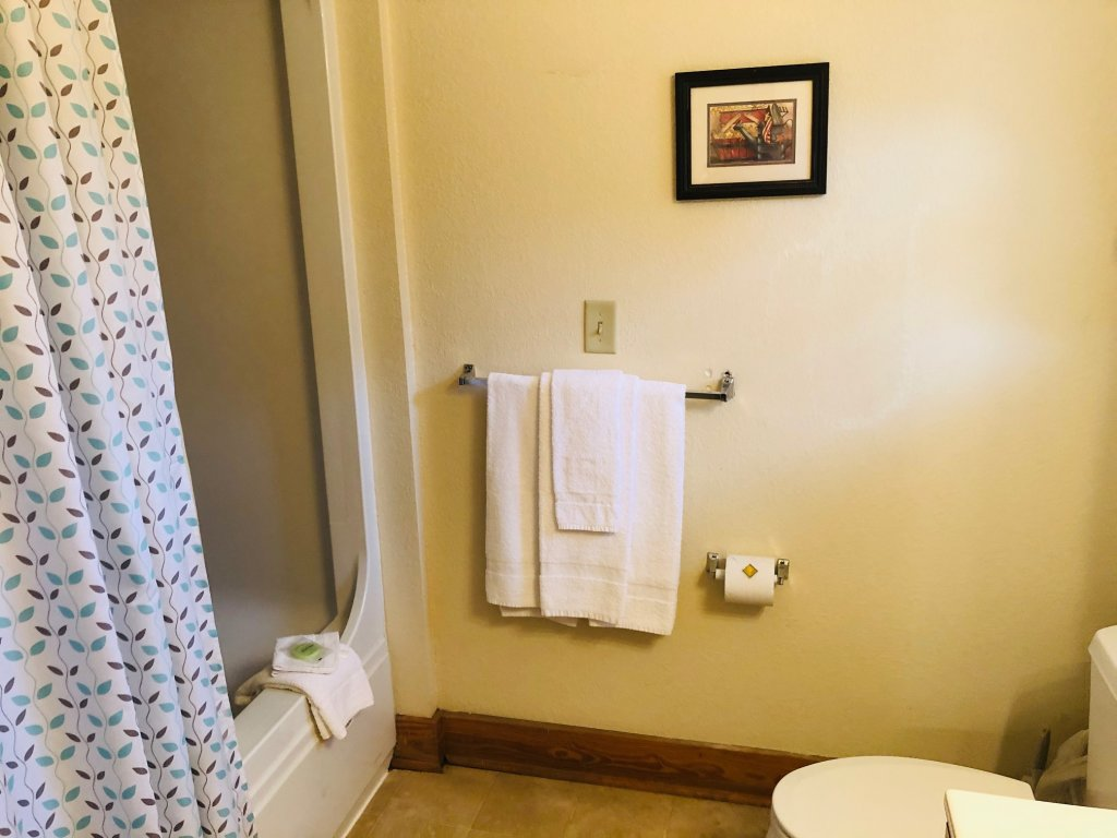 Photo of a Pigeon Forge Condo named Poplar Point Condo Unit 12a - This is the eleventh photo in the set.