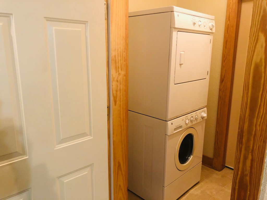 Photo of a Pigeon Forge Condo named Poplar Point Condo Unit 12a - This is the seventeenth photo in the set.
