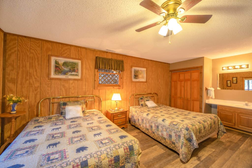 Photo of a Pigeon Forge Cabin named  Fryemont - This is the seventh photo in the set.