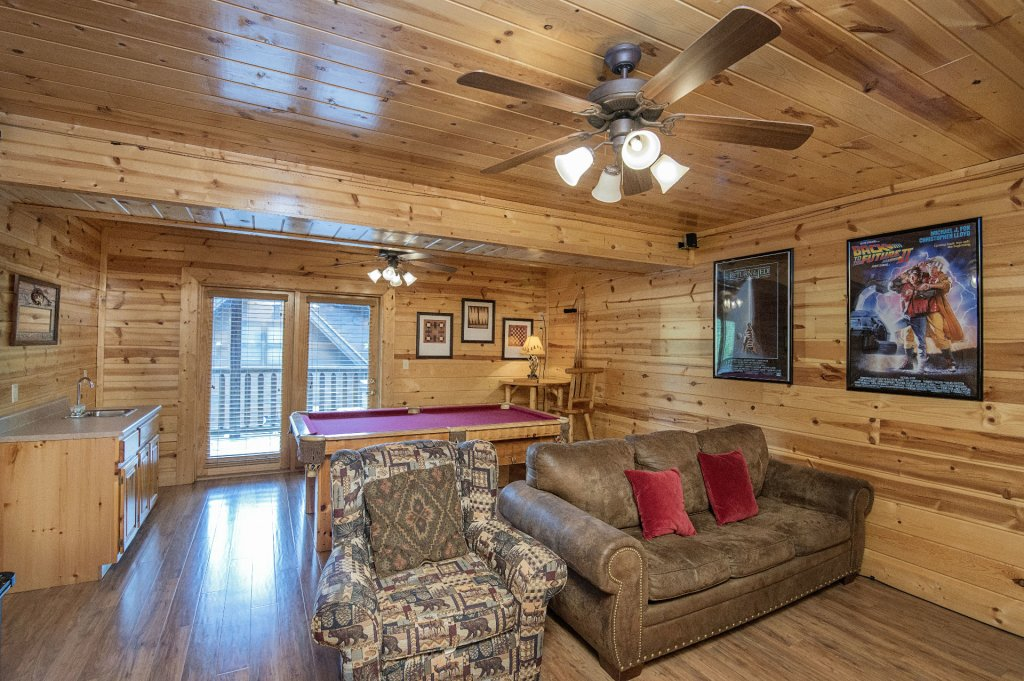 Photo of a Pigeon Forge Cabin named  Black Hawk Hideaway - This is the thirtieth photo in the set.