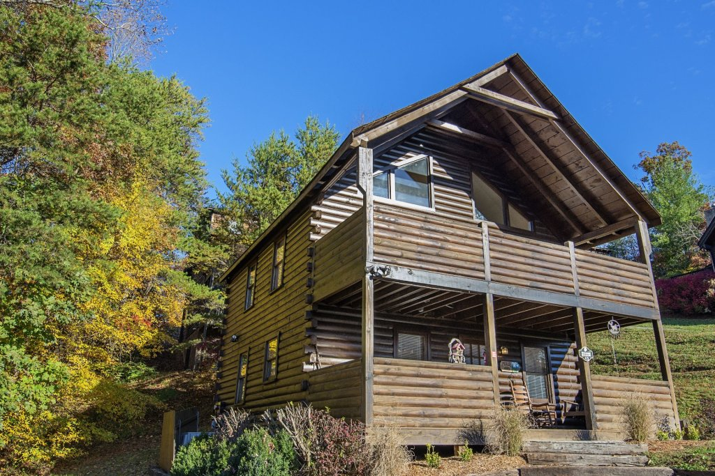 Photo of a Pigeon Forge Cabin named  Moose Manor - This is the second photo in the set.