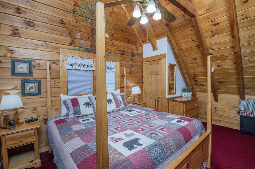 Photo of a Pigeon Forge Cabin named  Legacy Lodge - This is the twenty-second photo in the set.