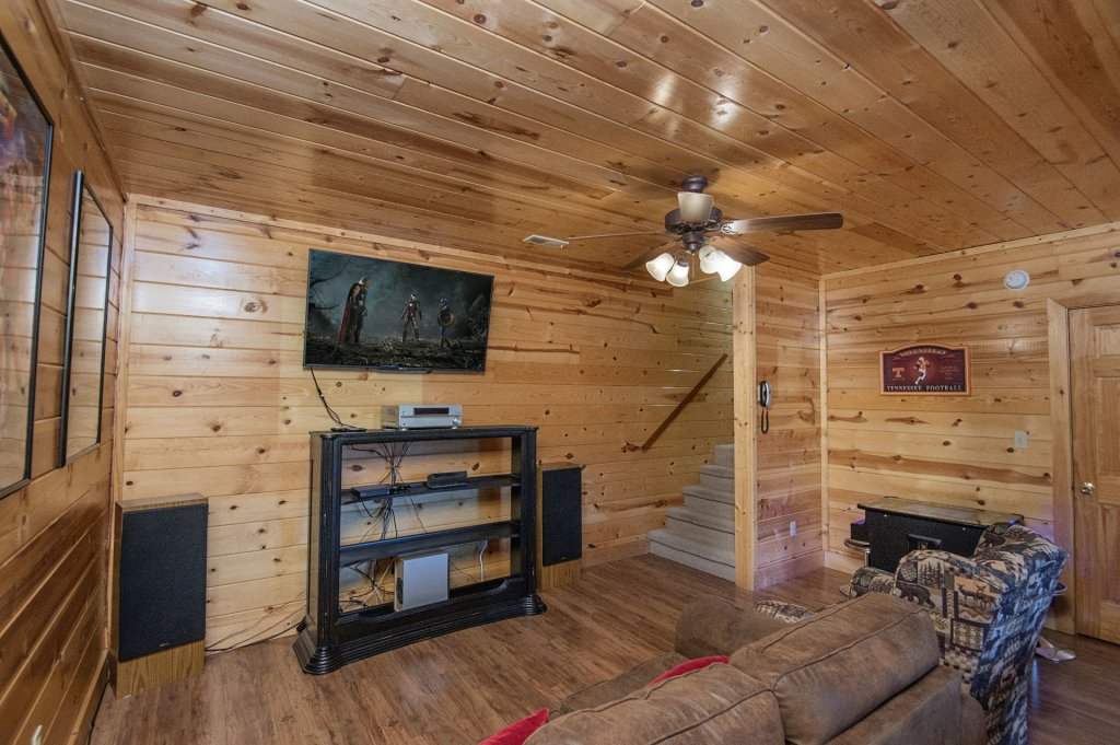 Photo of a Pigeon Forge Cabin named  Black Hawk Hideaway - This is the thirty-ninth photo in the set.