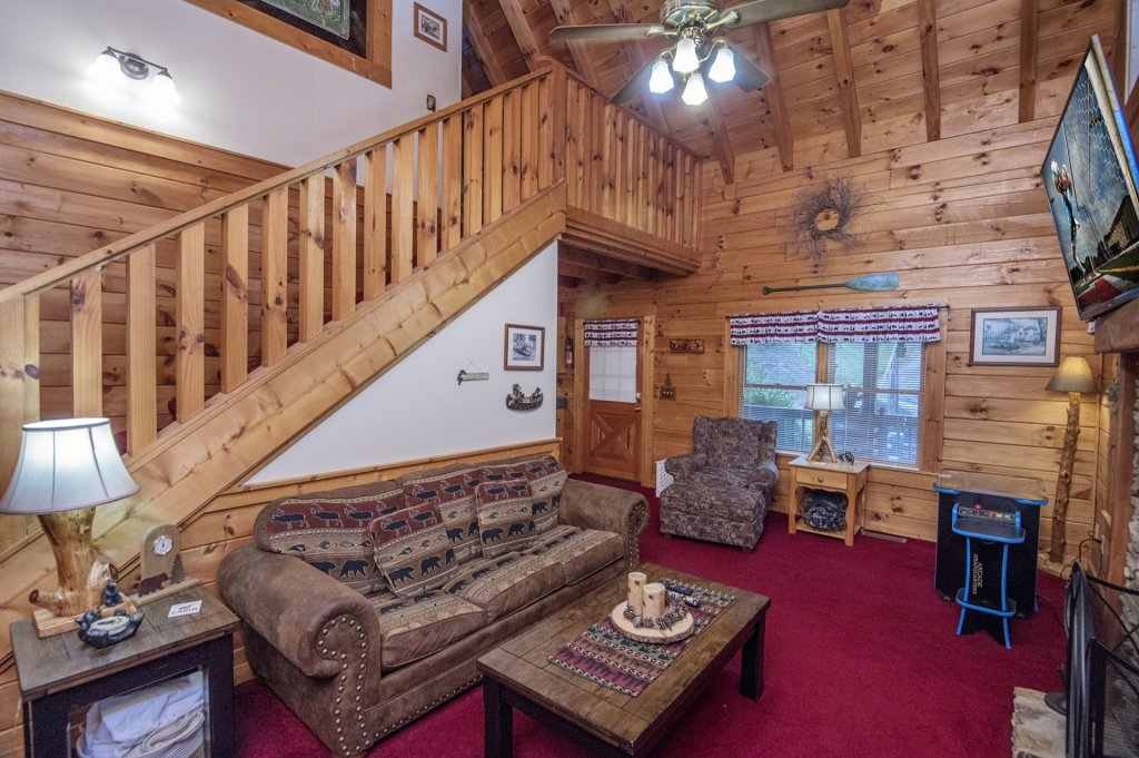 Photo of a Pigeon Forge Cabin named  Legacy Lodge - This is the fifth photo in the set.